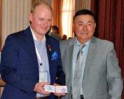 Dr hab. n. med. Piotr H. Skarżyński otrzymał złoty medal w Biszkeku