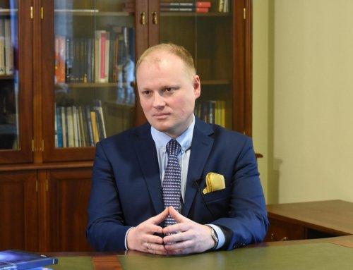 """Debata """"Innowacyjność kołem zamachowym polskiej gospodarki"""" zudziałem Prof.Piotra H. Skarżyńskiego"""